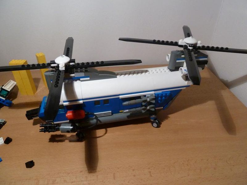 File:Transport Helicopter.jpg